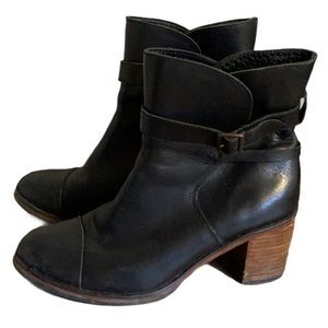 Wolverine Black Leather Booties - Women's Size 7